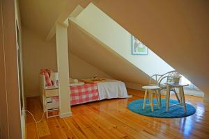 Cozy ATTIC up to 4 guests, Apartmány  Lisabon - big - 10