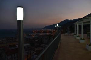 Domina Fluctuum - Penthouse in Salerno Amalfi Coast, Appartamenti  Salerno - big - 36