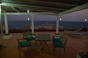 Domina Fluctuum - Penthouse in Salerno Amalfi Coast, Appartamenti  Salerno - big - 39