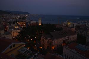 Domina Fluctuum - Penthouse in Salerno Amalfi Coast, Appartamenti  Salerno - big - 40