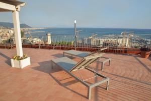 Domina Fluctuum - Penthouse in Salerno Amalfi Coast, Apartmány  Salerno - big - 46
