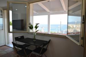 Domina Fluctuum - Penthouse in Salerno Amalfi Coast, Apartmány  Salerno - big - 50