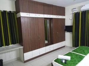 Prime Hitech, Hotels  Hyderabad - big - 34