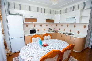 New apartment Lazurniy kvartal center, Apartments  Astana - big - 2