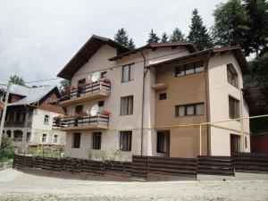 Pension Roua - Accommodation - Sinaia