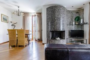 Hintown Villa a Mandello del Lario, Vily  Abbadia Lariana - big - 24