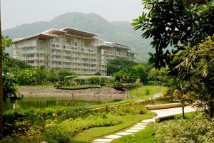Pico de Loro - Vacation Homes, Apartments  Nasugbu - big - 1