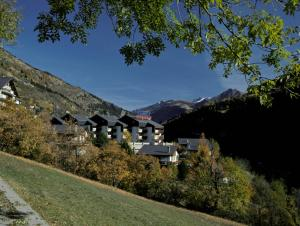 Badehotel Salina Maris – Wellness & Vintage - Hotel - Mörel - Breiten