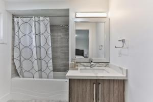 QuickStay - Classy 5bdrm House in Vaughan, Nyaralók  Toronto - big - 32