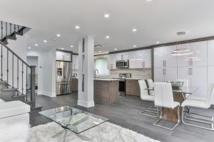 QuickStay - Classy 5bdrm House in Vaughan, Ferienhäuser  Toronto - big - 1