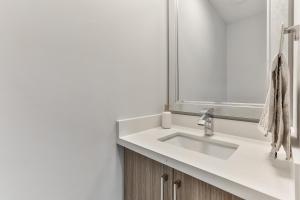 QuickStay - Classy 5bdrm House in Vaughan, Nyaralók  Toronto - big - 51