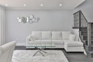 QuickStay - Classy 5bdrm House in Vaughan, Nyaralók  Toronto - big - 58