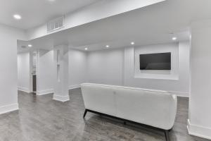 QuickStay - Classy 5bdrm House in Vaughan, Nyaralók  Toronto - big - 59
