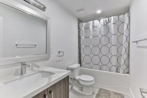 QuickStay - Classy 5bdrm House in Vaughan, Nyaralók  Toronto - big - 60