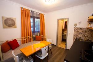 Apartman ELNA, Високо