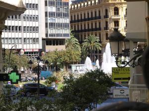 City Hall Square - Wolf, Apartmanok  Valencia - big - 15