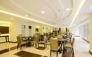 SoleMare Parksuites LuxSensa, Appartamenti  Manila - big - 45