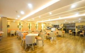SoleMare Parksuites LuxSensa, Appartamenti  Manila - big - 48