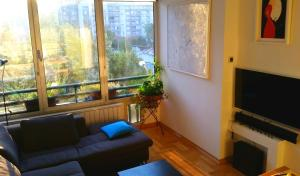 City Center Apartment with parking - фото 2