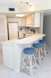 Aqua Vista 402-W Condo, Apartmány  Panama City Beach - big - 14