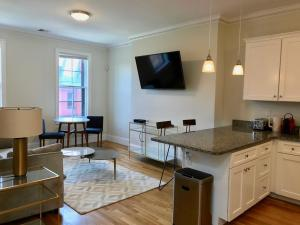 14 Gloucester St #4A by Lyon Apartments, Apartmány  Boston - big - 8