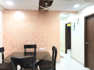 Executive Highrise - 2 Bhk Services Apartment, Апартаменты  Мумбай - big - 17