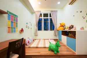 Zan Pavillon Spacious & Natural Stay, Apartmanok  Bayan Lepas - big - 12