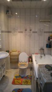 Apartments on Ladygina, Apartmanok  Vlagyivosztok - big - 6