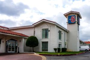 Motel 6 Euless - DFW West Reviews