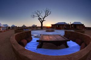 Hummer Desert Safari Camp, Resorts  Jaisalmer - big - 32