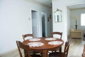 El Rosal, Ferienwohnungen  Lima - big - 47