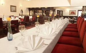Crown & Cushion Hotel, Отели  Чиппинг-Нортон - big - 17