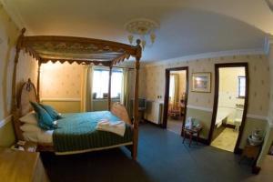 Crown & Cushion Hotel, Отели  Чиппинг-Нортон - big - 10