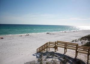 Gulf Sands East Unit 5 - Miramar Beach Townhouse, Nyaralók  Destin - big - 1