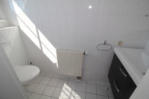 Ferienwohnung Kranichglück, Апартаменты  Neddesitz - big - 11