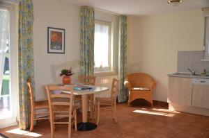 Ferienwohnung Kranichblick, Апартаменты  Neddesitz - big - 4