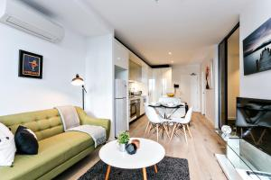COMPLETE HOST Rose Lane CBD, Apartmány  Melbourne - big - 10