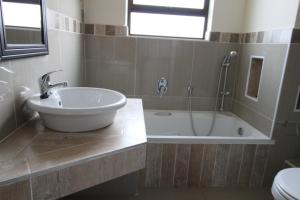 Saints View 406, Apartmány  Uvongo Beach - big - 4