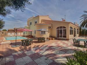 Villa Salvador Dali, Отели типа «постель и завтрак»  Торревьеха - big - 1