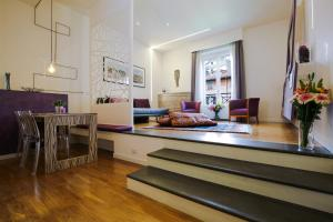 Trevi Fashion Suites, Apartments  Rome - big - 18