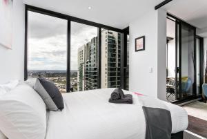 COMPLETE HOST Rose Lane CBD, Апартаменты  Мельбурн - big - 42