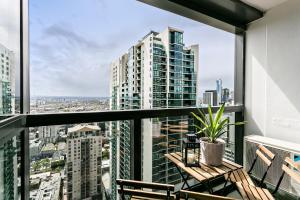 COMPLETE HOST Rose Lane CBD, Апартаменты  Мельбурн - big - 45