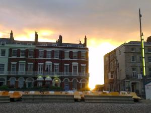 The Langham, Bed & Breakfasts  Weymouth - big - 28