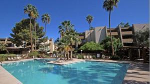 Old Town Scottsdale Modern Condo, Apartments  Scottsdale - big - 2