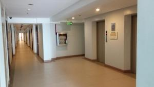 La Guardia Flats 2 - 802, Hotel  Cebu City - big - 7