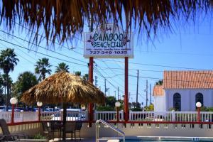 Bamboo Beach Club, Apartments  Clearwater Beach - big - 2
