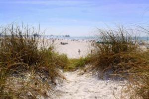 Bamboo Beach Club, Apartments  Clearwater Beach - big - 7