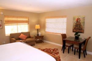 Bamboo Beach Club, Apartments  Clearwater Beach - big - 17