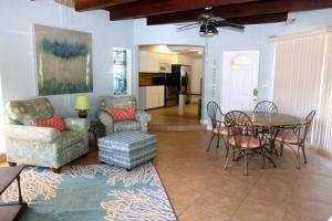 Bamboo Beach Club, Apartments  Clearwater Beach - big - 24