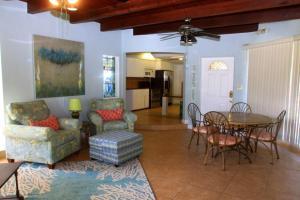 Bamboo Beach Club, Apartments  Clearwater Beach - big - 25